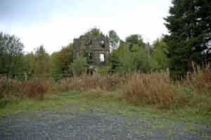 Photograph of ruins of Castleshane House 2013
